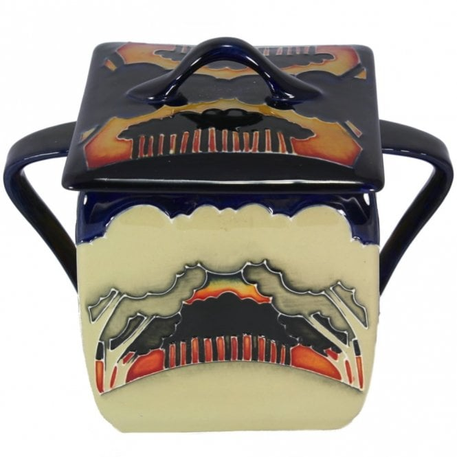 Moorcroft Eventide Winter Lidded Box 243/4 (Numbered Edition: 6)