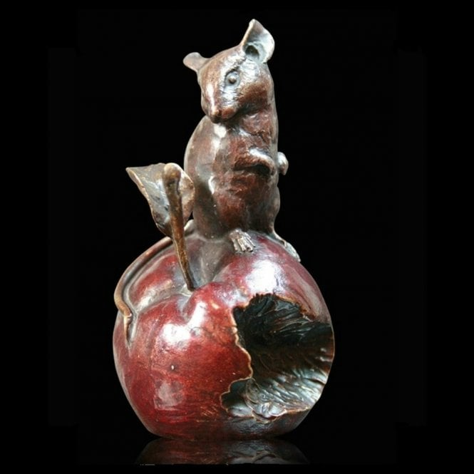 Richard Cooper & Company Mouse on Apple (921)